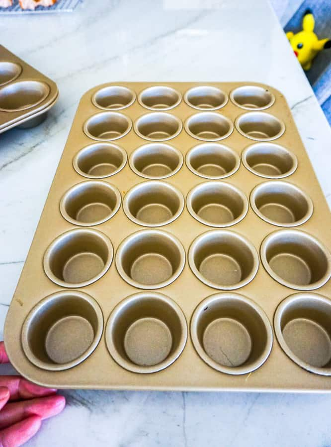 cupcake pan-2.jpg